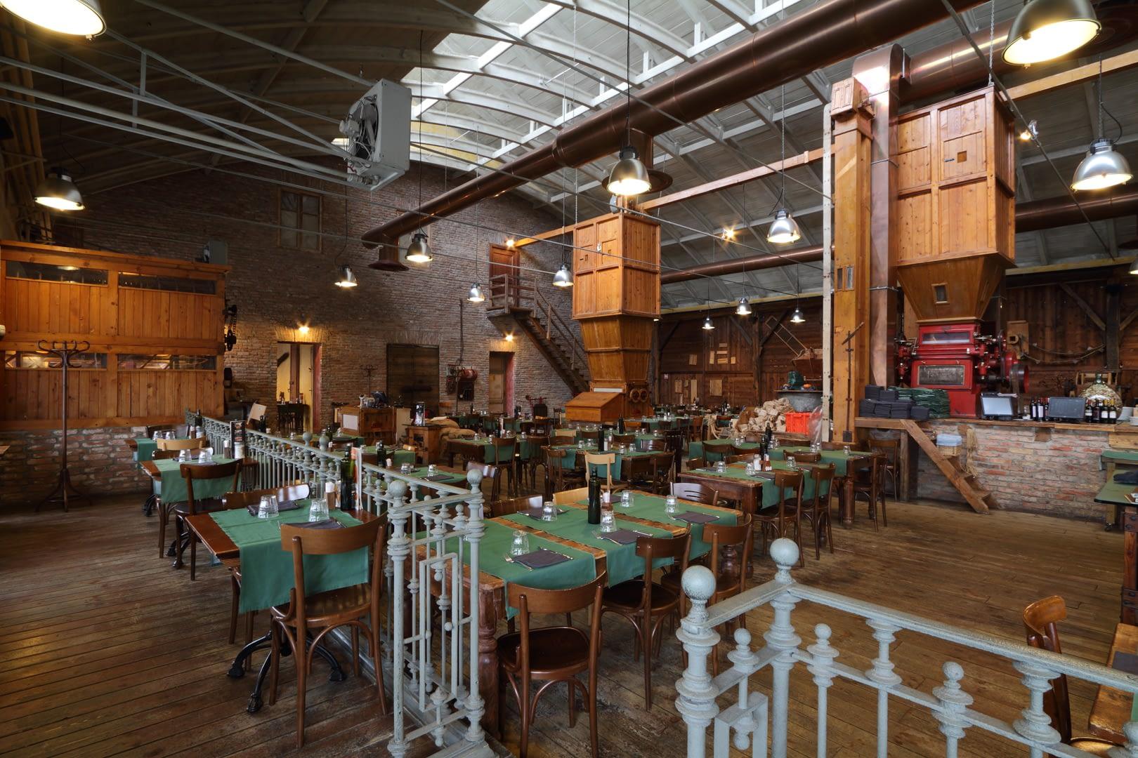 ristorante acqua e farina interni piano rialzato