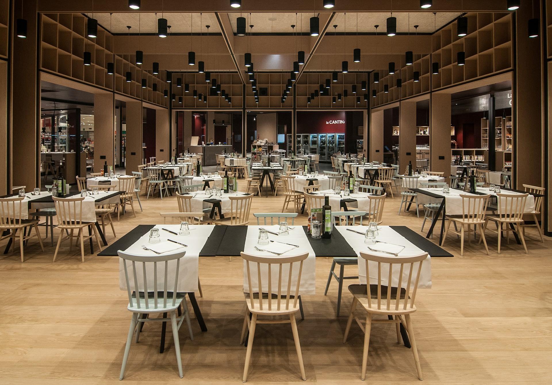 ristorante officine italia interni tavoli